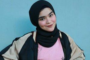 Unik, Gaya Hijab dan Rok