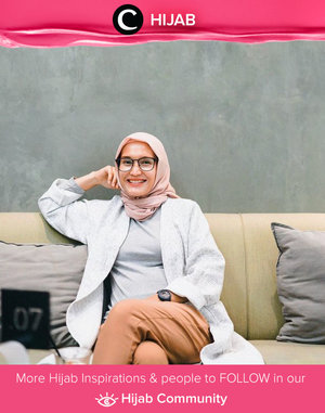 Hari ke-2 lebaran, sudah mulai menggunakan outfit casual atau masih tampil dengan Raya outfit, Clozetters? Image shared by Clozetter @ellynurul. Simak inspirasi gaya Hijab dari para Clozetters hari ini di Hijab Community. Yuk, share juga gaya hijab andalan kamu.