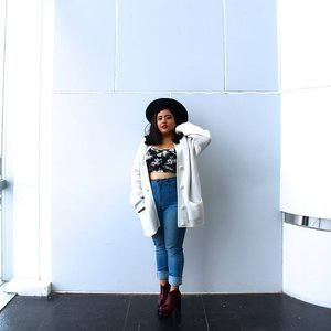 Looking fabulous from head to toe like #StarClozetter @anjanideee is easy! Just learn how to mix n match the outfit with some curated inspiration here bit.ly/clozette_ootd  #ClozetteID #fashion #outfitinspiration #instafashion #clothes #instalook #outfit #ootd #portrait #clothing #style #look #lookbook #lookoftheday #outfitoftheday #ootd #stylish #instaoutfit #fashionjunkie #accessories #dainty #edgystyle #sneakers #minimalist