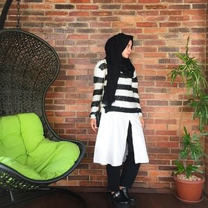 Chill around in Sunday would totally different if you wearing statement piece like #ClozetteAmbassador @Mellarisya's sequin sweater. Inspire others with your look simply by sharing it on www.clozette.co.id.  #ClozetteID #fashion #outfitinspiration #instafashion #clothes #instalook #outfit #ootd #portrait #clothing #style #look #lookbook #lookoftheday #outfitoftheday #ootd #stylish #instaoutfit #fashionjunkie #accessories #dainty #edgystyle #sneakers #minimalist