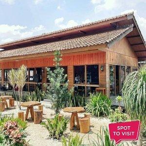 #SpotToVisit150 Coffee and Garden @150coffeegarden, Jl. Sulaksana, Cicaheum, BandungYuk tag teman yang mau kamu ajak ke sini..📷 @tantengopi#ClozetteID #kafebandung #outdoorcafe #cafebandung
