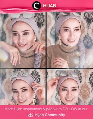 Clozetter @dwina join the #virtualphotoshoot hype. Simak inspirasi gaya Hijab dari para Clozetters hari ini di Hijab Community. Yuk, share juga gaya hijab andalan kamu.