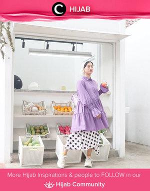 As always, Clozette Ambassador @rimasuwarjono inspires us with her playful look. This time she combined a lilac baby doll tunic with a polka-dot skirt. Simak inspirasi gaya Hijab dari para Clozetters hari ini di Hijab Community. Yuk, share juga gaya hijab andalan kamu.