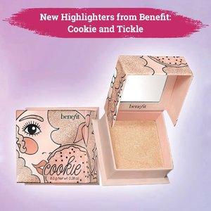 Benefit back to the glow-game with their new highlighters: Cookie and Tickle! . Hadir dengan highlighter baru yang berbentuk pressed powder, Benefit meluncurkan dua warna yang akan cocok baik di tone kulit terang maupun gelap, yaitu Cookie (golden pearl) dan Tickle (golden pink). . Kedua highlighter ini sudah bisa kamu dapatkan di sephora seharga US$30. . 📷 @benefitcosmetics @sephora #ClozetteID #makeup #beauty #highlighters
