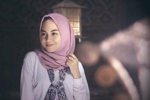 Tips Memilih Warna Hijab untuk Kulit Sawo Matang