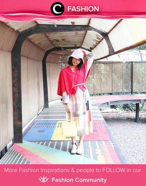 Clozette Ambassador @rimasuwarjono shared her playful outfit styling with patterned dress, scarf as an outer, and bucket hat. Simak Fashion Update ala clozetters lainnya hari ini di Fashion Community. Yuk, share outfit favorit kamu bersama Clozette.