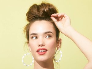 Hair Tutorial: Three-Step Messy Bun