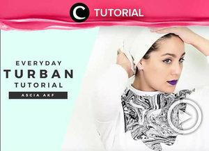 Masih bingung cara pakai turban yang rapi dan mudah diikuti? Intip video yang di-share kembali oleh Clozetter @Zahirazahra ini, yuk: http://bit.ly/2QVTnyG. Lihat juga tutorial updates lainnya di Tutorial Section.
