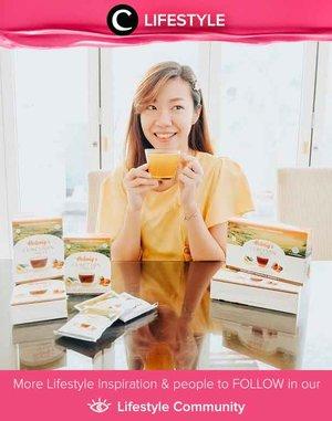 Ingin hidup lebih sehat? Perbanyak minum teh saja, Clozetters. Terutama teh dengan kandungan kurkumin, bahan aktif dari kunyit, yang dipercaya ampuh melawan gejala influenza dan flu. Simak Lifestyle Updates ala clozetters lainnya hari ini di Lifestyle Community. Image shared by Clozetter @angeliasamodro. Yuk, share juga momen favoritmu.