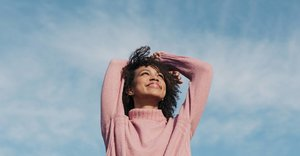 How to find calm in everyday life (including 'earthing' and automatic thinking)
