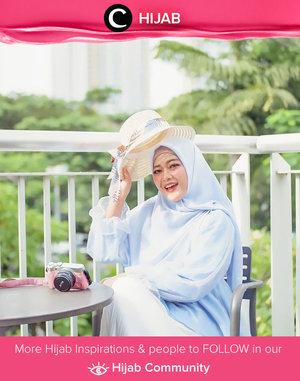 It's Sunday! Time to add some playful accessories like summer hat to brighten your total look! Image shared by Clozetter @novitania. Simak inspirasi gaya Hijab dari para Clozetters hari ini di Hijab Community. Yuk, share juga gaya hijab andalan kamu.