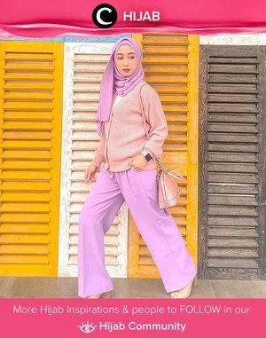 Lilac and blush combo made Clozetter @she_wian looks as sweet as candy! Simak inspirasi gaya Hijab dari para Clozetters hari ini di Hijab Community. Yuk, share juga gaya hijab andalan kamu.