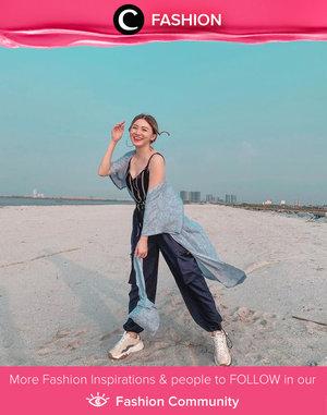 Hello, weekend! Clozette Ambassador @vicisienna brings the happy summer vibes with her matching outer and handbag from Shopatvelvet. Simak Fashion Update ala clozetters lainnya hari ini di Fashion Community. Yuk, share outfit favorit kamu bersama Clozette.