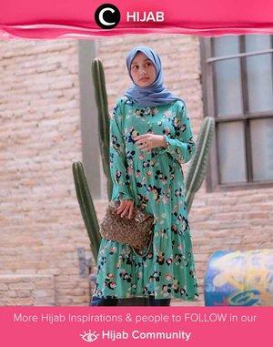 Play with color and pattern like Clozetter @andinara! Simak inspirasi gaya Hijab dari para Clozetters hari ini di Hijab Community. Yuk, share juga gaya hijab andalan kamu.