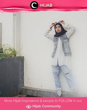 Bingung padupadan denim vest yang nggak terlalu boyish? Coba tiru style Clozetter @chyntiandarinie berikut. Simak inspirasi gaya Hijab dari para Clozetters hari ini di Hijab Community. Yuk, share juga gaya hijab andalan kamu.