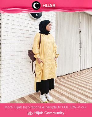 Jika disuruh memilih jenis pakaian favorit, kamu tim tunik atau tim long outer, nih, Clozetters? Image shared by Clozetter @mellarisya. Simak inspirasi gaya Hijab dari para Clozetters hari ini di Hijab Community. Yuk, share juga gaya hijab andalan kamu.