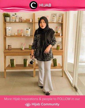 Monochrome is in the air! Simak inspirasi gaya Hijab dari para Clozetters hari ini di Hijab Community. Image shared by Clozetter @vannysariz. Yuk, share juga gaya hijab andalan kamu.