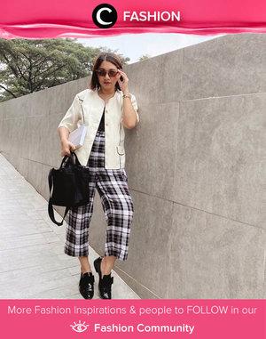 Busy days outfit idea: white blouse, tartan pants, and a pair of black loafers. Image shared by Clozette Ambassador @cellinikamil. Simak Fashion Update ala clozetters lainnya hari ini di Fashion Community. Yuk, share outfit favorit kamu bersama Clozette.