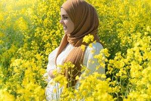 Tips Memilih Busana Hijab untuk Ibu Hamil