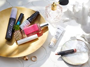 7 Travel-Size Makeup Products to Bring on Your Next Vacay