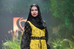 Kebun Raya Bogor Inspirasi Fashion Muslim Bertema Tropis