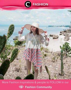 Kimono pantai yang dikenakan Clozette Ambassador @vicisienna ini sekilas mirip dengan hanbok, pakaian tradisional Korea, ya, Clozetters! Simak Fashion Update ala clozetters lainnya hari ini di Fashion Community. Yuk, share outfit favorit kamu bersama Clozette.