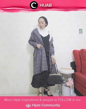 Layers in monochrome for Monday. Simak inspirasi gaya Hijab dari para Clozetters hari ini di Hijab Community. Image shared by Clozetter @ladyulia. Yuk, share juga gaya hijab andalan kamu.