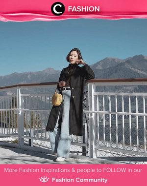 Clozette Ambassador @janejaneveroo shows her cool side in long coat and high waisted jeans. Simak Fashion Update ala clozetters lainnya hari ini di Fashion Community. Yuk, share outfit favorit kamu bersama Clozette.