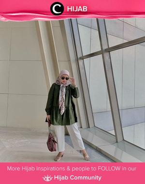 Untuk mewarnai tampilan outfit yang polos, kamu bisa menggunakan hijab bermotif dengan style ala Clozetter @sridevi_sdr ini, Clozetters. Simak inspirasi gaya Hijab dari para Clozetters hari ini di Hijab Community. Yuk, share juga gaya hijab andalan kamu.