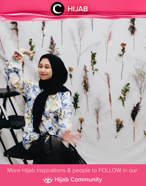 Simple outfit and bright smile. Image shared by Clozetter @andinara. Simak inspirasi gaya Hijab dari para Clozetters hari ini di Hijab Community. Yuk, share juga gaya hijab andalan kamu.