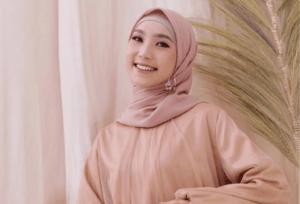 Warna Hijab yang Cocok untuk Kulit Sawo Matang