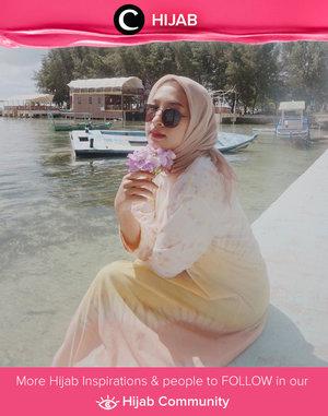 Hello, yellow! Clozette Ambassador @prapancadf looks super fine in her yellow tie-dye dress. Simak inspirasi gaya Hijab dari para Clozetters hari ini di Hijab Community. Yuk, share juga gaya hijab andalan kamu.