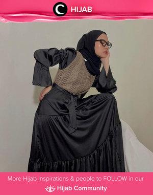 Clozette Ambassador @karinaorin channeling her vintage style in modest way. Simak inspirasi gaya Hijab dari para Clozetters hari ini di Hijab Community. Yuk, share juga gaya hijab andalan kamu.
