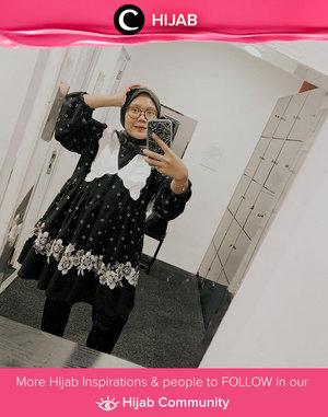 Oversized collars for an instant vintage look! Image shared by Clozetter @sridevi_sdr. Simak inspirasi gaya Hijab dari para Clozetters hari ini di Hijab Community. Yuk, share juga gaya hijab andalan kamu.