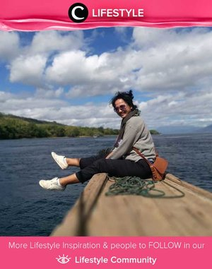Clozette Ambassador @sophietobelly sempat berfoto dalam perjalanannya dari Pulau Adonara ke Larantuka. Cantik sekali ya, pemandangannya! Simak Lifestyle Updates ala clozetters lainnya hari ini di Lifestyle Community. Yuk, share juga momen favoritmu.