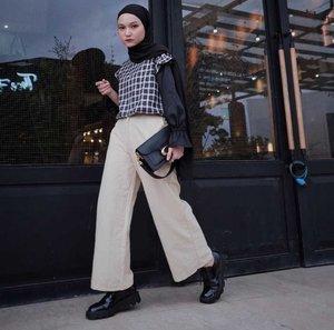 5 Inspirasi OOTD Kasual dengan Loose Pants Untuk Hijabers