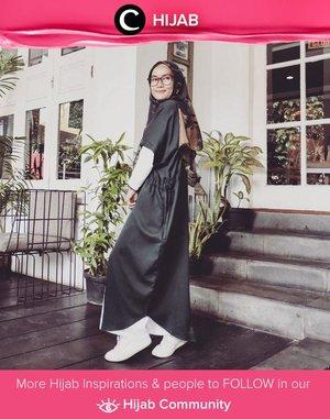 Thursday in black and white ala Clozetter @ellynurul. Simak inspirasi gaya Hijab dari para Clozetters hari ini di Hijab Community. Yuk, share juga gaya hijab andalan kamu.