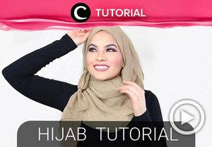 Masih bingung gaya hijab untuk lebaran hari kedua esok? Coba hijab dengan ring berikut, Clozetters: http://bit.ly/2WJmeMl. Video ini di-share kembali oleh Clozetter @Sahfirasyahnaz. Intip tutorial updates lainnya di Tutorial Section.