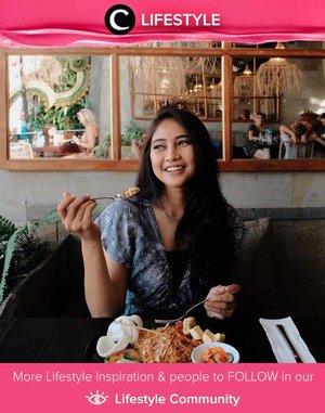 Jika akan ke Bali dalam waktu dekat, jangan lupa mengunjungi restoran rekomendasi dari Clozetter @witaervianda: Monkey Legend Restaurant & Bar Ubud. Nasi Goreng Kecicang-nya enak banget, lho. Simak Lifestyle Updates ala clozetters lainnya hari ini di Lifestyle Community. Yuk, share juga momen favoritmu.