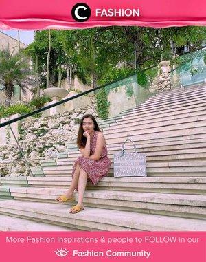 Sleeveless pattern dress + bright-colored sandals = ultimate summer style! Image shared by Clozetter @stellangelita. Simak Fashion Update ala clozetters lainnya hari ini di Fashion Community. Yuk, share outfit favorit kamu bersama Clozette.