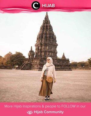 Clozetter @tikarahmadhania was in the mood for earthy tone for her holiday. Simak inspirasi gaya Hijab dari para Clozetters hari ini di Hijab Community. Yuk, share juga gaya hijab andalan kamu.