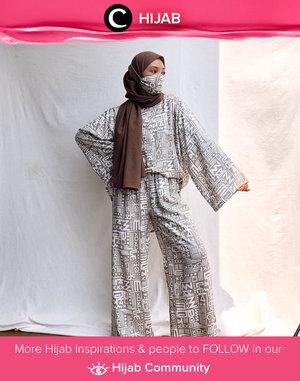 Clozette Ambassador @Imeldaaf wearing her own homie-set brand while lounging at home. Who's inspired? Simak inspirasi gaya Hijab dari para Clozetters hari ini di Hijab Community. Yuk, share juga gaya hijab andalan kamu.