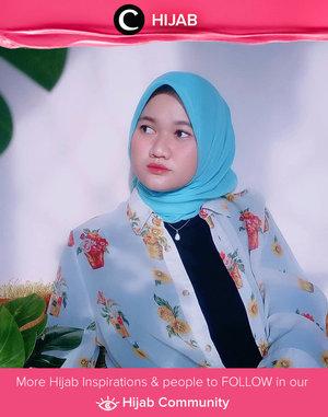 In the mood for some flowers and bright-colored hijab. Image shared by Clozetter @revanisanabella. Simak inspirasi gaya Hijab dari para Clozetters hari ini di Hijab Community. Yuk, share juga gaya hijab andalan kamu.