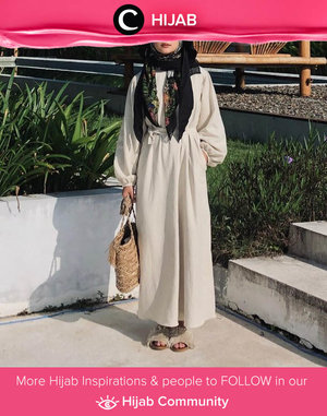 Who's up for Ramadan styling idea? Steal Clozette Ambassador @imeldaaf with long dress, patterned hijab, and matchy matchy bag + sandals. Simak inspirasi gaya Hijab dari para Clozetters hari ini di Hijab Community. Yuk, share juga gaya hijab andalan kamu.