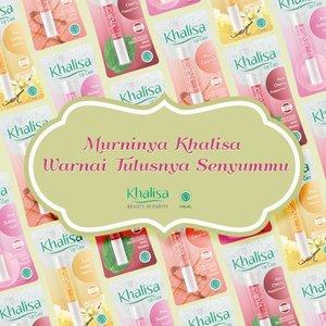 Jaga bibir agar tetap lembap dan sehat dengan @KhalisaIndonesia Lipcare. Kandungan Vitamin E, hingga pelembap alami berupa bees wax, olive oil, dan shea butter akan membuat tampilan bibir lebih segar merona. Dijamin halal, loh!  #ClozetteID #khalisa #khalisalipcare #halal #halalcosmetics #lipcare #lipbalm
