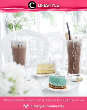Cafe Reverie in Bangkok: so white n so bright in here. This cafe was surrounded by big glass window, the table n chair was all white then you look around and see beautiful princess fairy tales merchandise. The cakes n special drinks in here and it tasted good. Simak Lifestyle Updates ala clozetters lainnya hari ini di Lifestyle Section. Image shared by Clozette Ambassador: @vicisienna. Yuk, share momen favoritmu di Clozette.