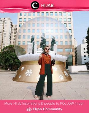 Clozetter @nabilaaz tried a formal look for holiday season. Bisa kamu tiru juga, nih, Clozetters. Simak inspirasi gaya Hijab dari para Clozetters hari ini di Hijab Community. Yuk, share juga gaya hijab andalan kamu.