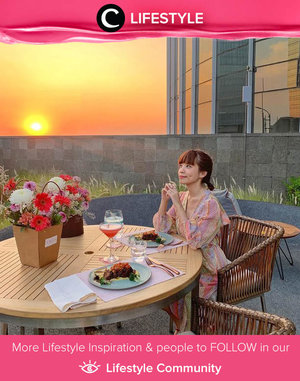 After a long day, enjoying good meals and beautiful sunset from the rooftop wouldn't be a sin! Image shared by Clozette Ambassador @steviiewong. Simak Lifestyle Update ala clozetters lainnya hari ini di Lifestyle Community. Yuk, share momen favoritmu bersama Clozette.