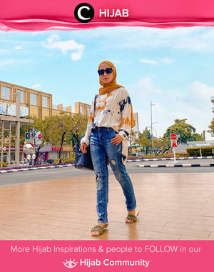 Cool mom style ala Clozetter @she_wian. Share yours on Hijab Community!