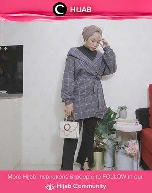 Monochrom mood by Clozette Ambassador @ladyulia. Simak inspirasi gaya Hijab dari para Clozetters hari ini di Hijab Community. Yuk, share juga gaya hijab andalan kamu.
